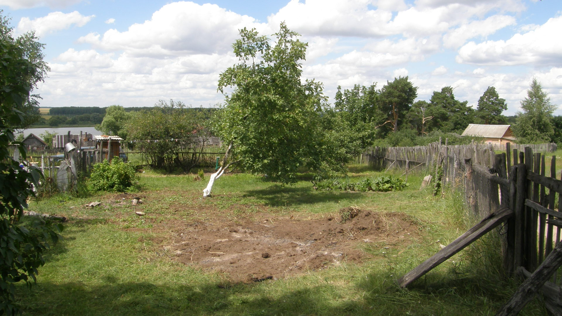 This is the side yard I have been working on…